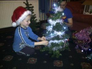 Wriggler decorating his tree